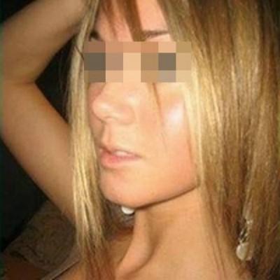 Femme très cochonne recherche un homme pour la faire jouir à Treillières